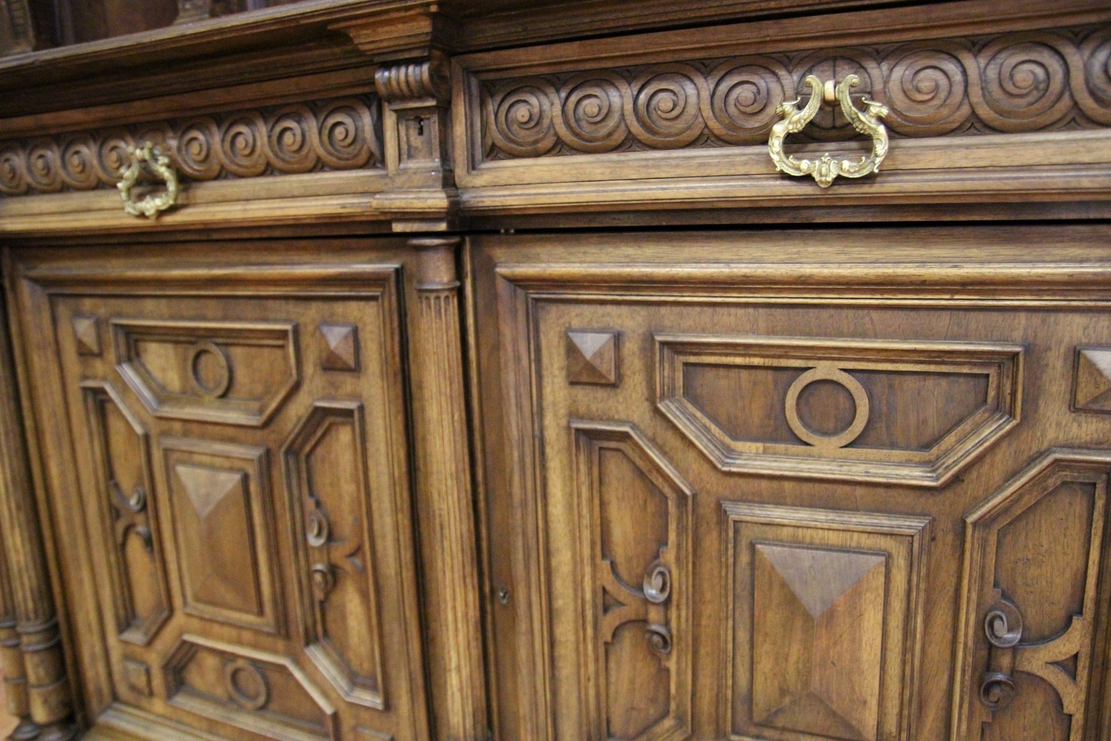 антиквариат старинная мебель: